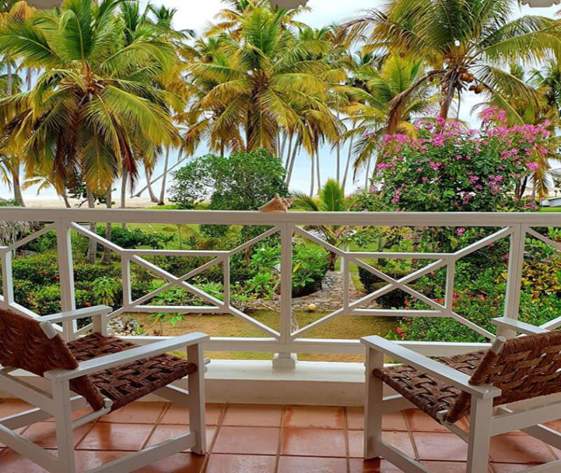 todoblanco balcón vista al mar